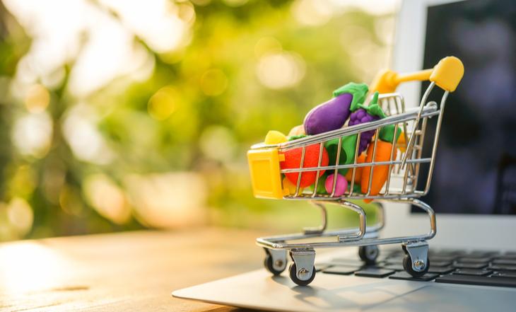 os prós e contras de comprar em supermercados online
